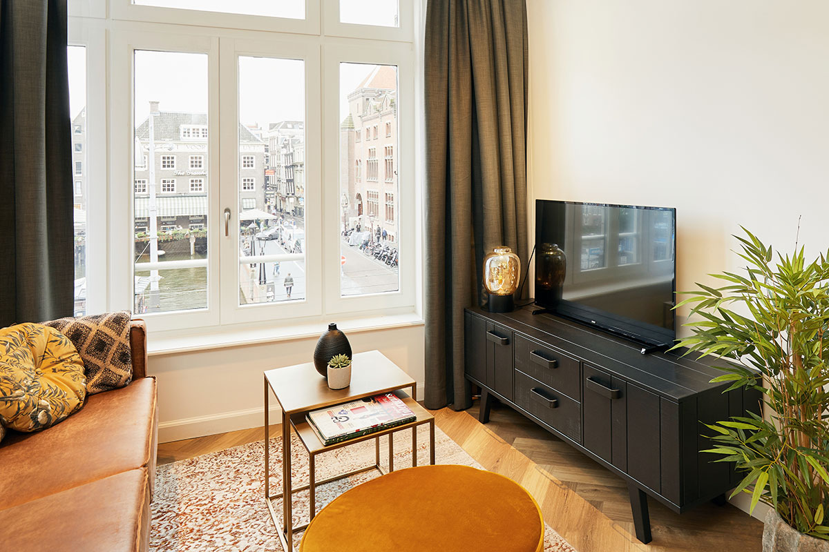 Damrak Short Stay in the city heart of Amsterdam