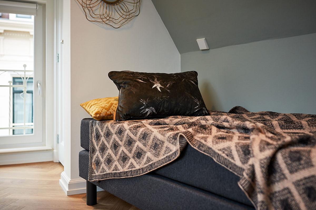 Damrak Short Stay Bedroom Queen Apartment