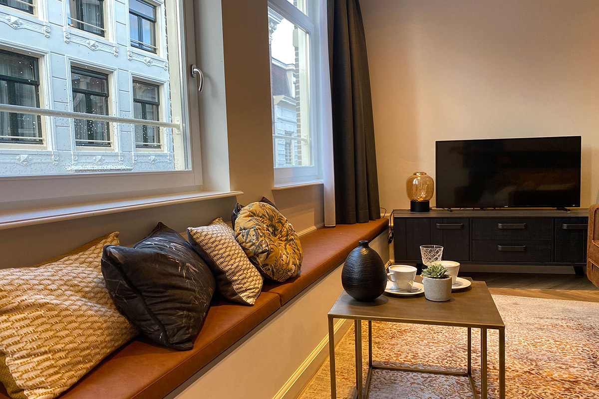 Damrak Short Stay Apartments with hotel-service Damsquare Amsterdam cityheart